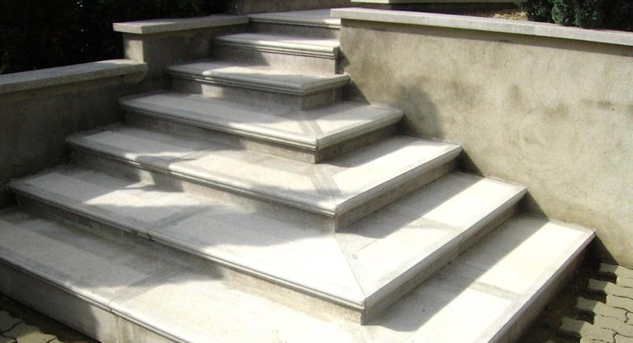 Lépcső - KissHáz Vállalkozás Műkő készítés garanciával!